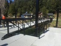 Habilitan y reparan muelles en distintos puertos del lago Nahuel Huapi
