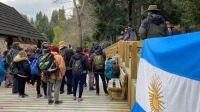 Jóvenes participaron de una jornada de voluntariado y cuidado de la Isla Victoria