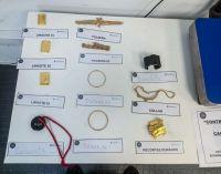 Una azafata, ex reina de la Nieve, fue procesada por intentar llevar a Miami dos kilos de joyas
