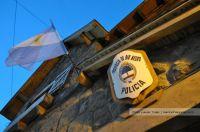Detuvieron a 10 personas tras desbaratar una fiesta estudiantil clandestina en Catedral